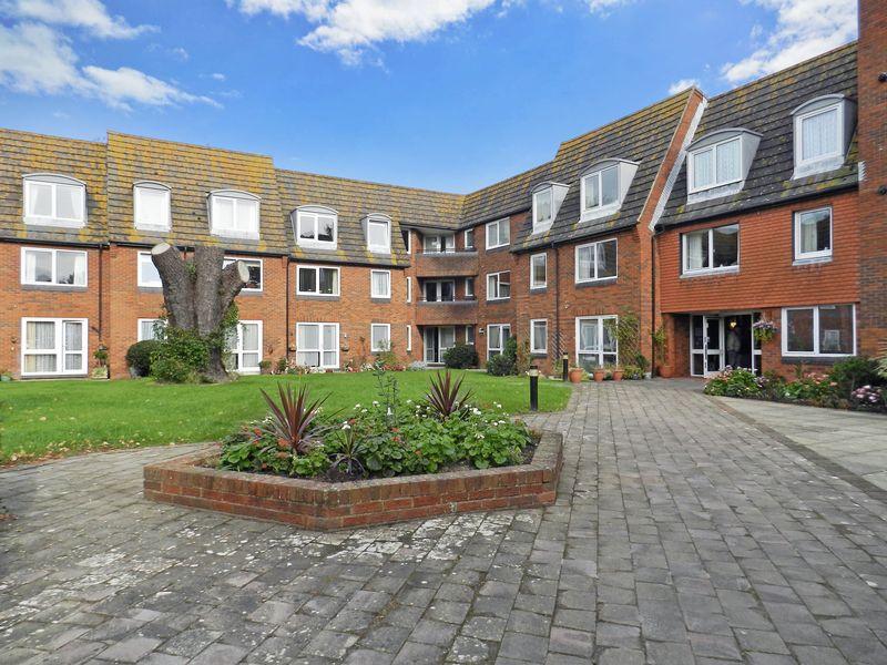 1 Bedroom Property for sale in Homecroft House, Bognor Regis, PO21 2NQ