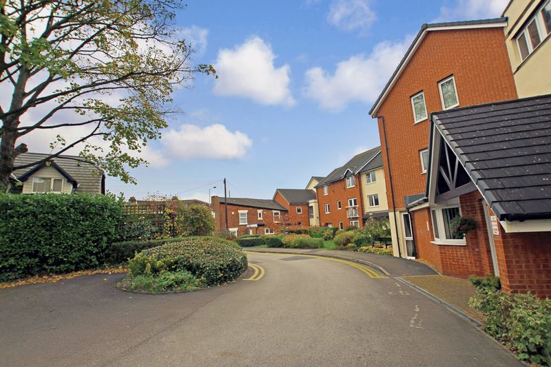 1 Bedroom Property for sale in Smithy Court, Stockport, SK6 6GB