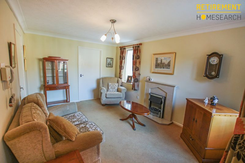 2 Bedrooms Property for sale in Hunters Lodge, Blackburn, BB2 5LX