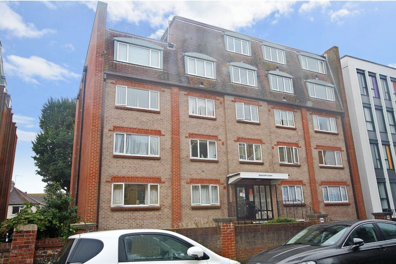 1 Bedroom Property for sale in Beaufort Court, Eastbourne, BN21 3UT