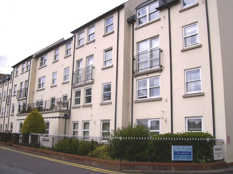 1 Bedroom Property for sale in Ty Rhys, Carmarthen, SA31 1LY