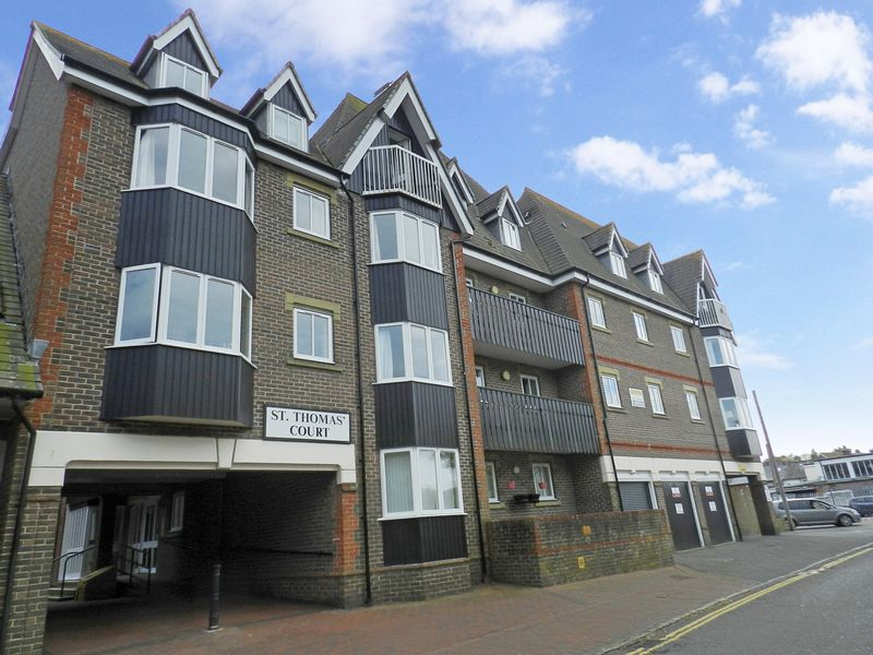 1 Bedroom Property for sale in St Thomas' Court, Lewes, BN7 2AW
