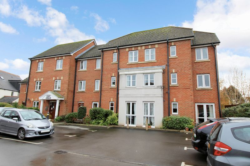 1 Bedroom Property for sale in Cwrt Jubilee, Penarth, CF64 3DQ