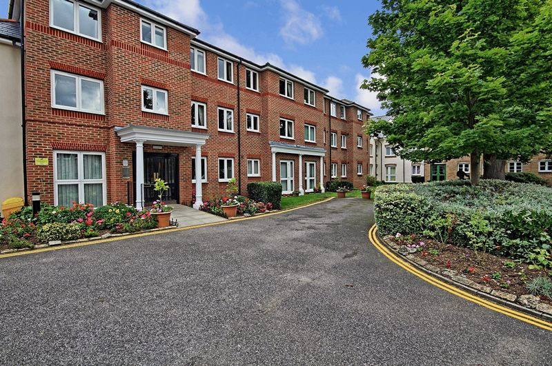 2 Bedrooms Property for sale in Spalding Court, Chelmsford, CM1 2UZ