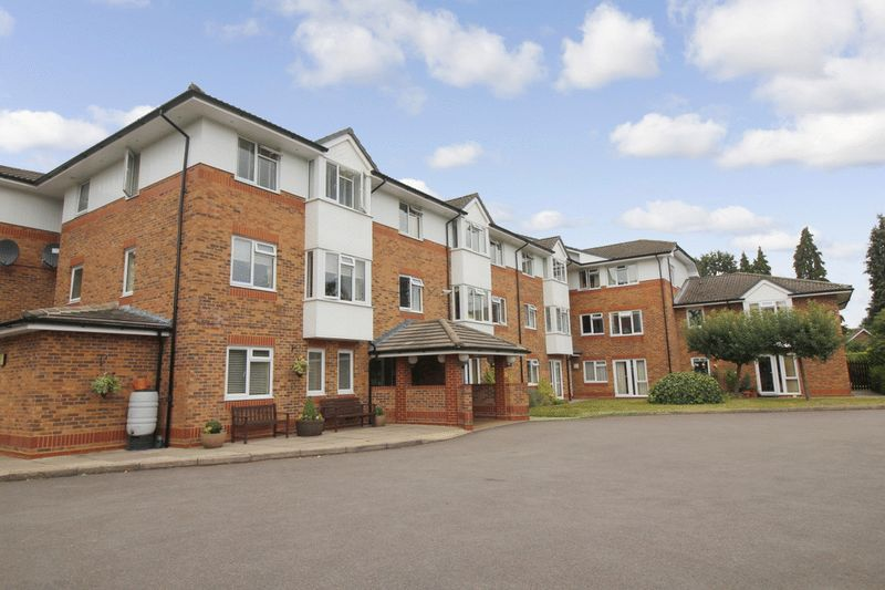 1 Bedroom Property for sale in Cedar Court, Addlestone, KT15 2LQ