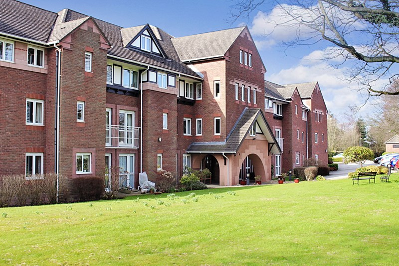 1 Bedroom Property for sale in Queen Anne Court, Wilmslow, SK9 1BY