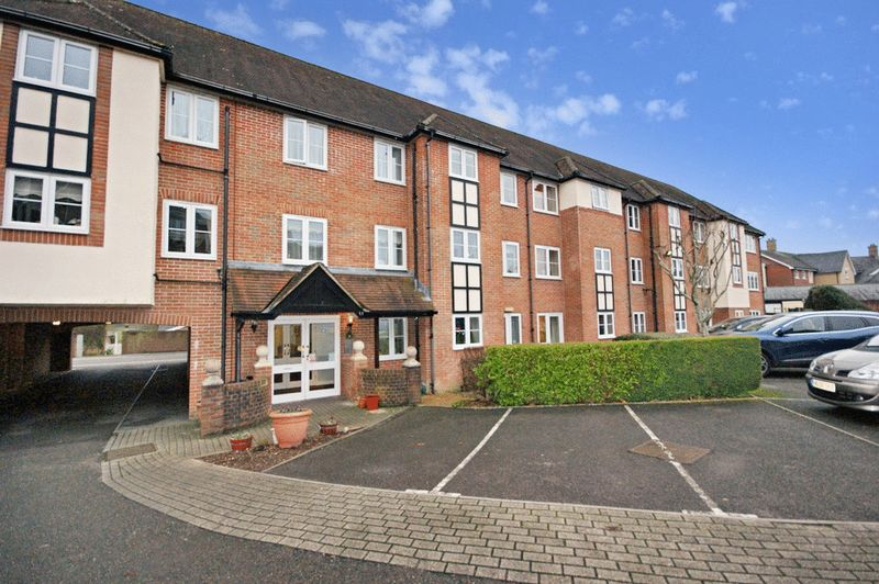1 Bedroom Property for sale in Saville Court, Wimborne Minster, BH21 1QY