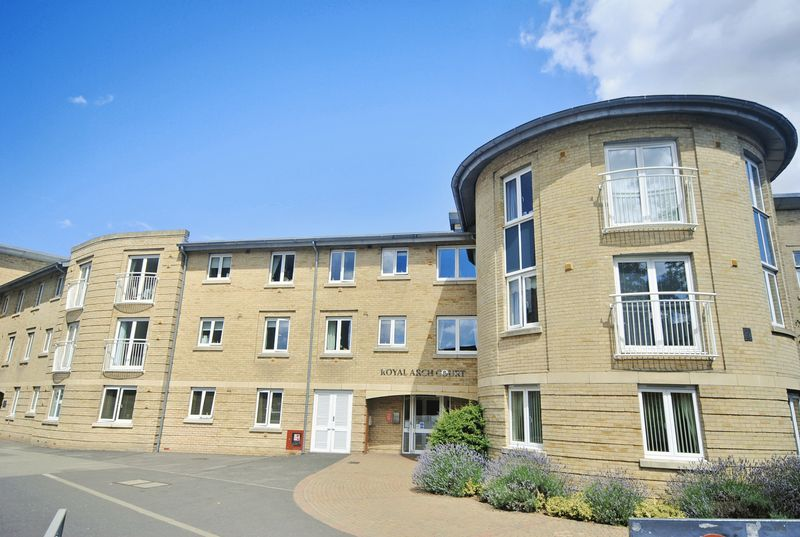 2 Bedrooms Property for sale in Royal Arch Court, Norwich, NR2 3RU