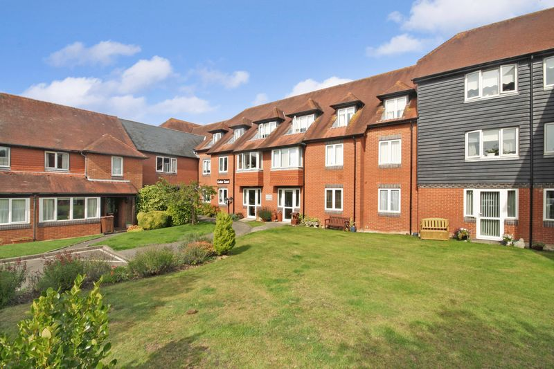 2 Bedrooms Property for sale in Cedar Court (Tenterden), Tenterden, TN30 6JH