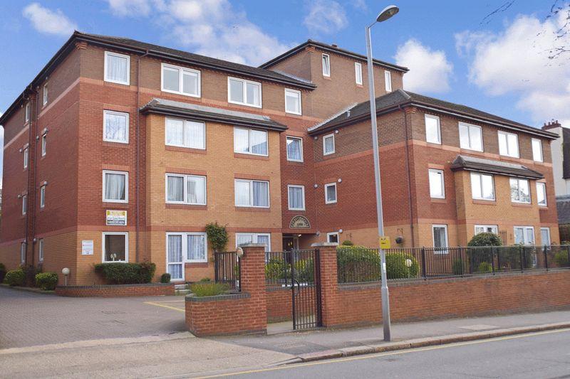 1 Bedroom Property for sale in Parish Court (Surbiton), Surbiton, KT6 4PL