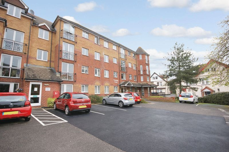 1 Bedroom Property for sale in Viscount Court, Bournemouth, BH5 1AF