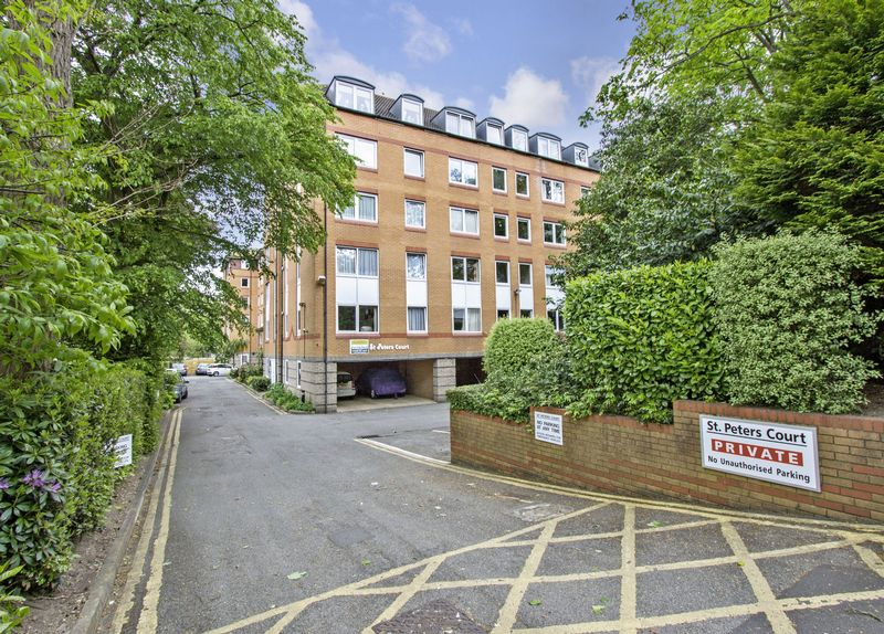 1 Bedroom Property for sale in St Peter's Court, Bournemouth, BH1 2JU