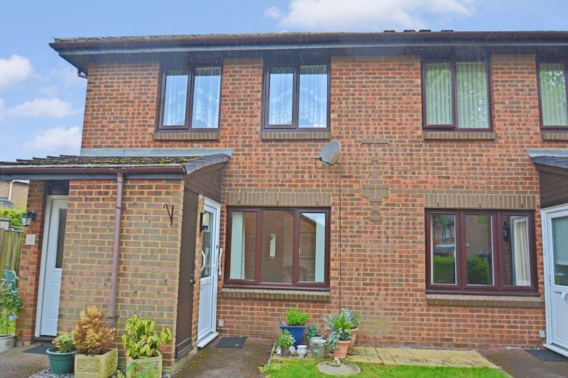 1 Bedroom Property for sale in Oak Close (Priory Park), Dunstable, LU5 4BL