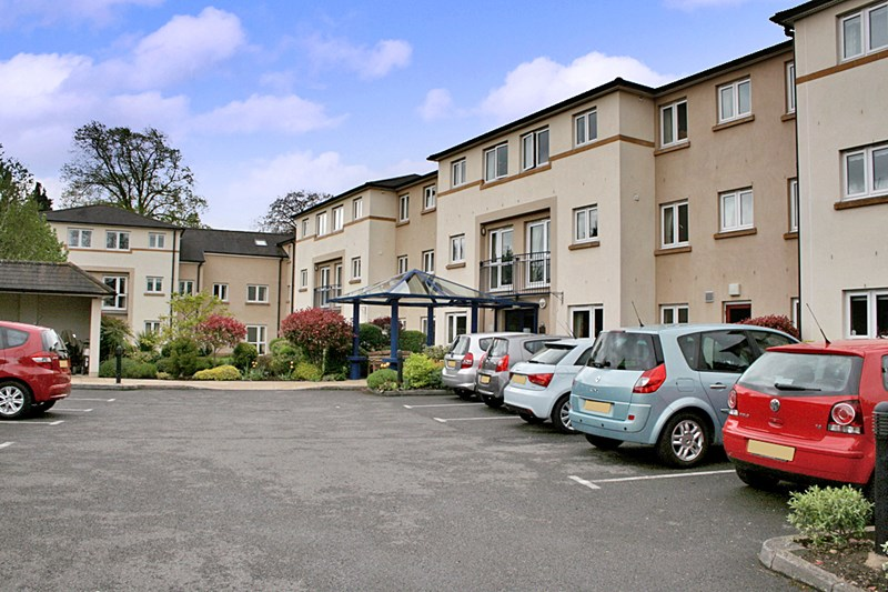1 Bedroom Property for sale in Lefroy Court, Cheltenham, GL51 6QA