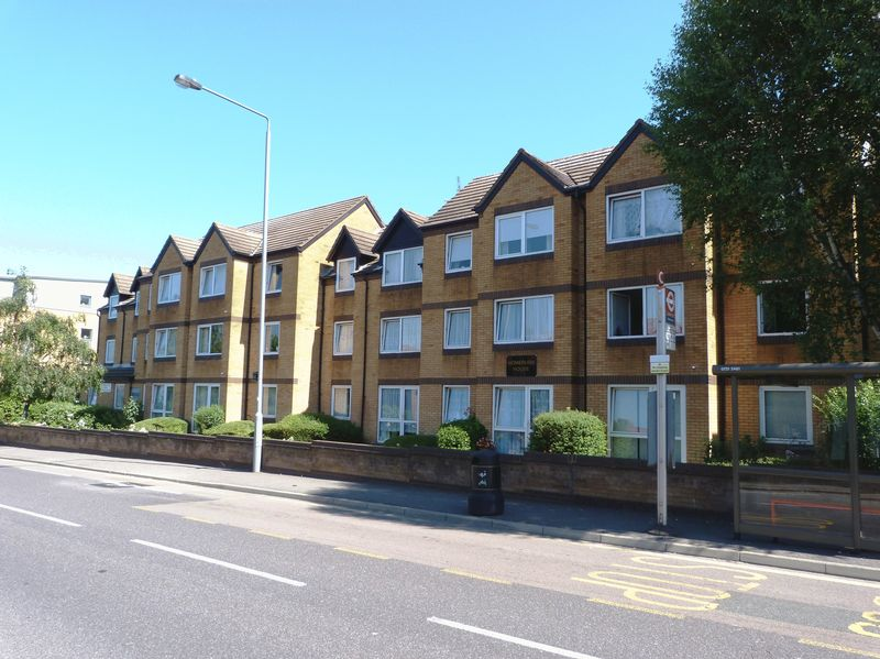 1 Bedroom Property for sale in Homebush House, Chingford, E4 7PW