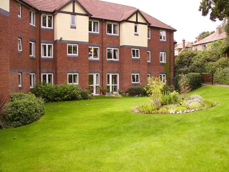 1 Bedroom Property for sale in Valley Court, Nottingham, NG5 3GA