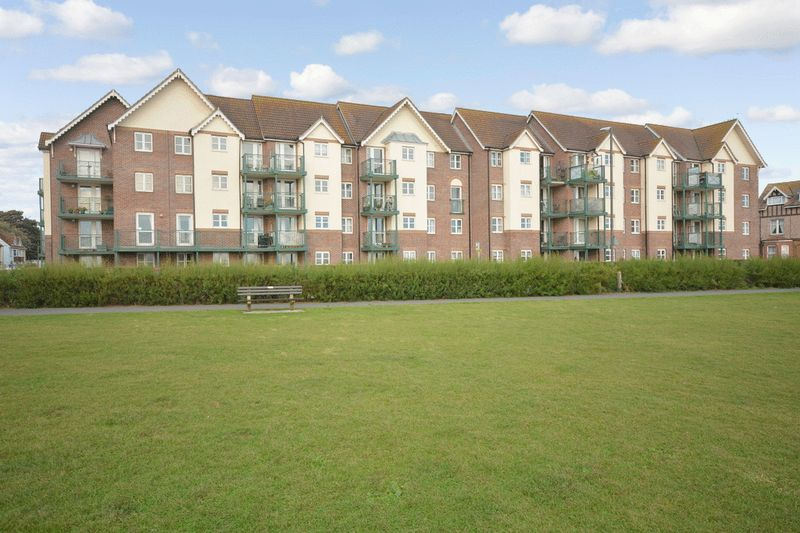 1 Bedroom Property for sale in Tembani Court, Paignton, TQ3 2NQ