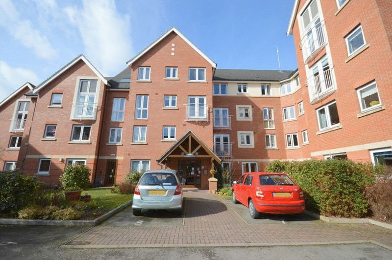 1 Bedroom Property for sale in Hathaway Court, Stratford-upon-Avon, CV37 6HH