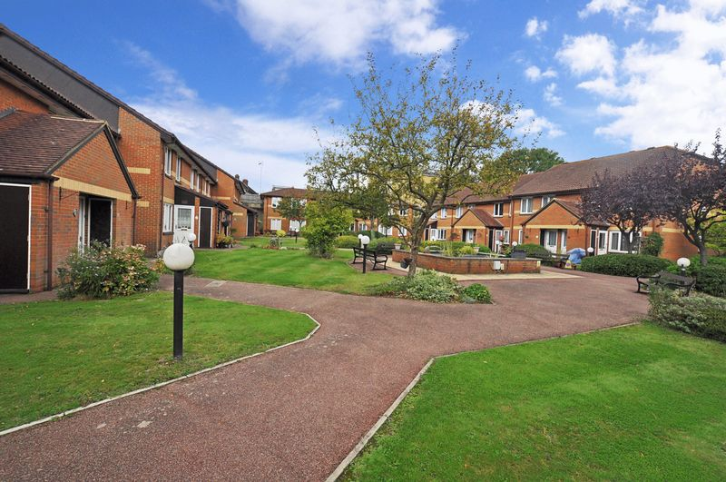 1 Bedroom Property for sale in Beck Court, Beckenham, BR3 4RB