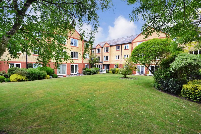 1 Bedroom Property for sale in Cranmere Court, Colchester, CO1 2RX