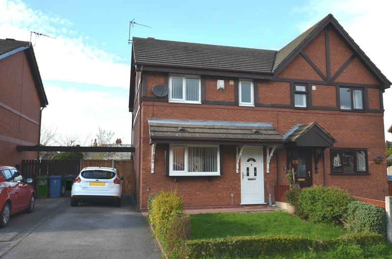 3 Bedrooms Semi Detached House for sale in Burland Close, Runcorn