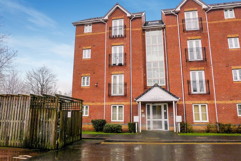 2 Bedrooms Flat for sale in Waterside Gardens, The Valley, Bolton