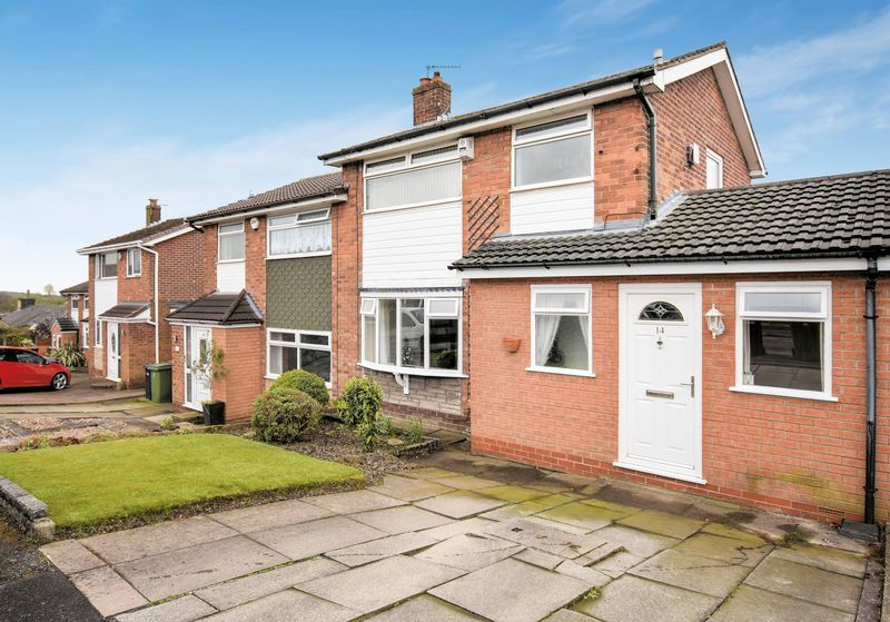 3 Bedrooms Semi Detached House for sale in Smithy Croft, Bromley Cross, Bolton, BL7 LARGE GARDENS, 3 BEDS, CUL DE SAC