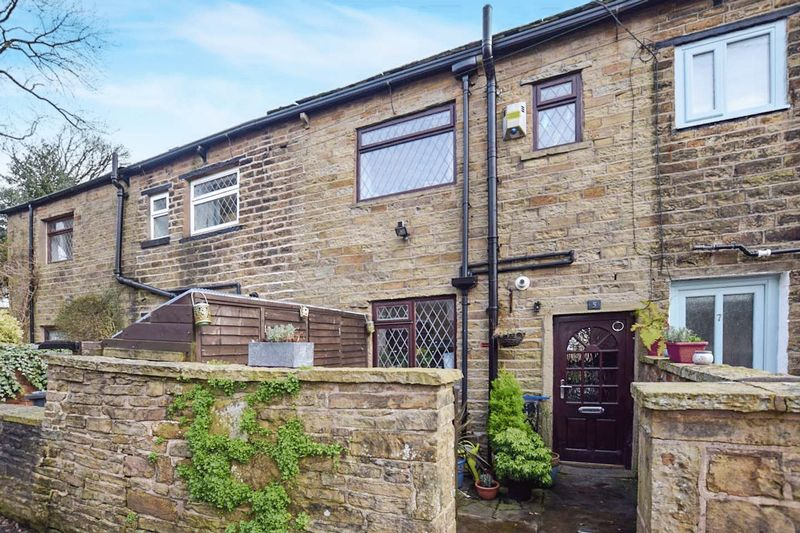 2 Bedrooms Bungalow for sale in Crown Point, Edgworth, Bolton