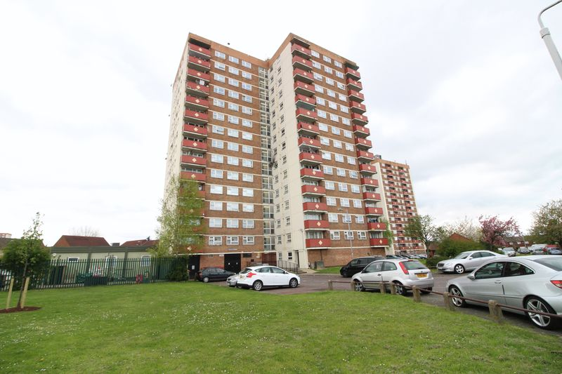 3 Bedrooms Flat for sale in Three Bed Penthouse Apartment