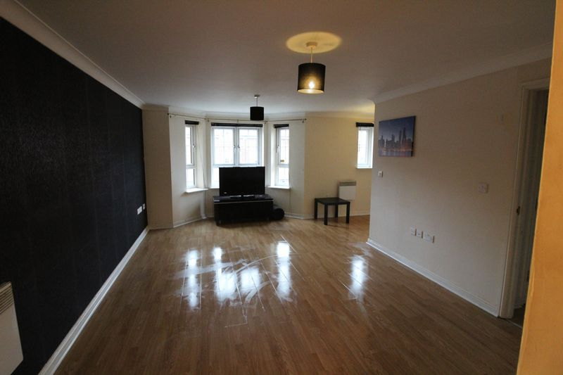 2 Bedrooms Flat for sale in Modern Two Bed Apartment In South Dunstable
