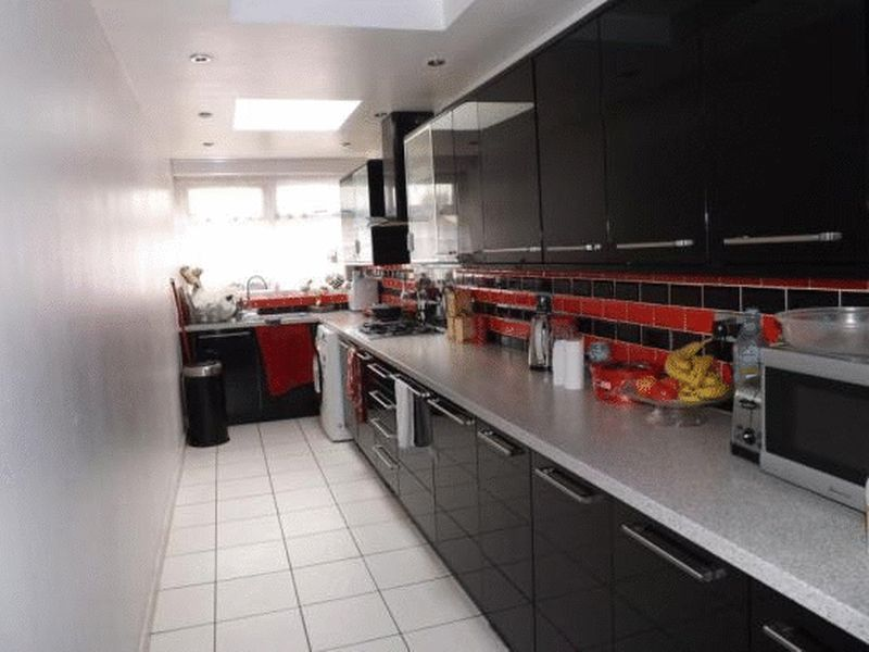 4 Bedrooms Semi Detached House for sale in Icknield catchment