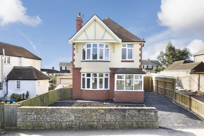 3 Bedrooms Detached House for sale in Drynham Road, Trowbridge