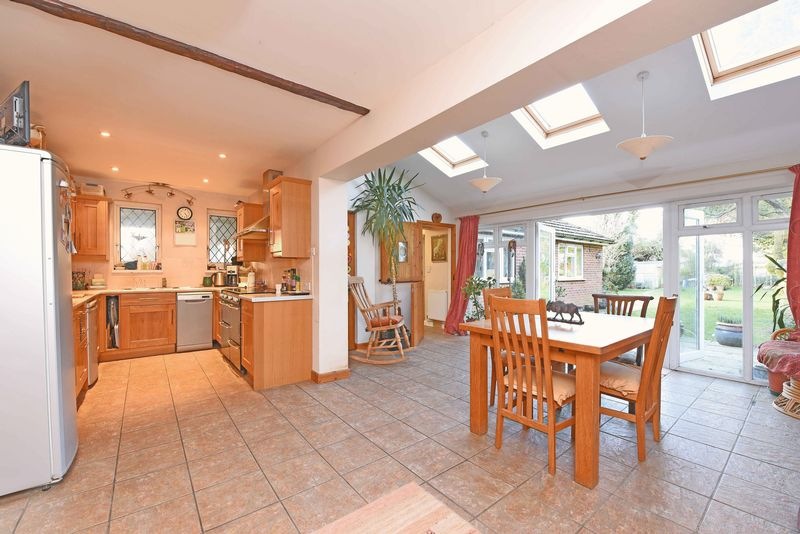 3 Bedrooms Semi Detached House for sale in Viewings available SATURDAY 25/02/17 - call to BOOK your time!