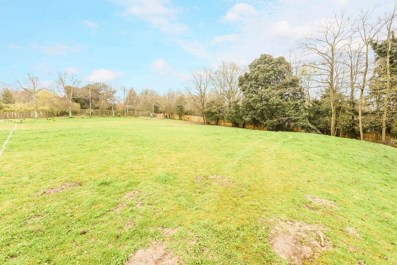 Land Commercial for sale in Little Knowl Hill, Kingsclere