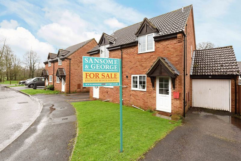 2 Bedrooms Semi Detached House for sale in Keeps Mead, KIngsclere