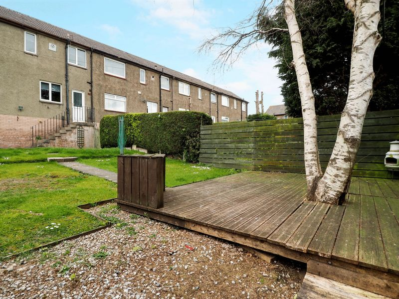 3 Bedrooms Terraced House for sale in Craigseaton, Broxburn, EH52 6BA
