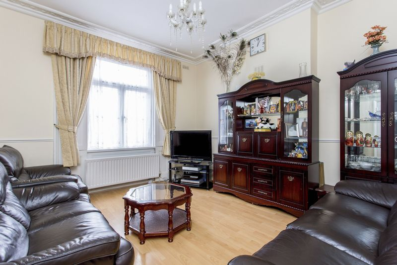 6 Bedrooms Terraced House for sale in Windsor Road, N7