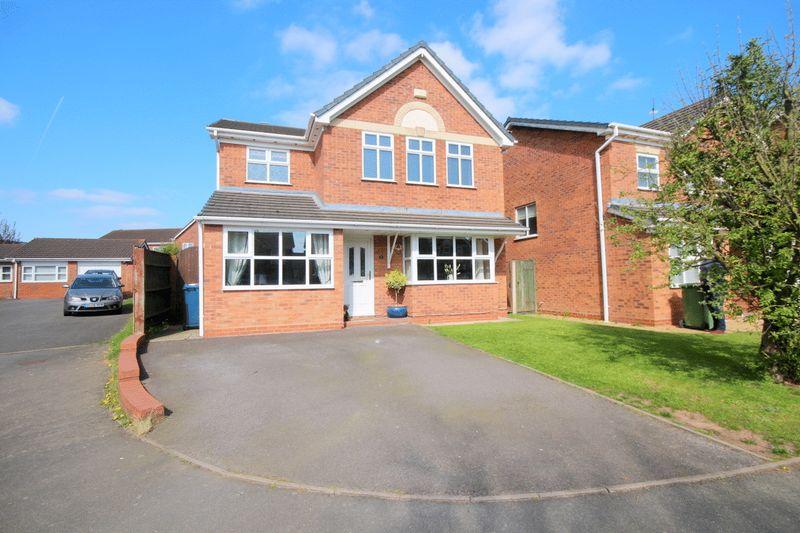4 Bedrooms Detached House for sale in Vine Close, Hixon