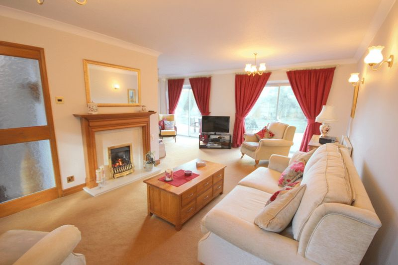 3 Bedrooms Detached House for sale in Hargreave Close, Meir Park