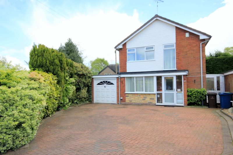 3 Bedrooms Detached House for sale in Rickerscote Avenue, Stafford