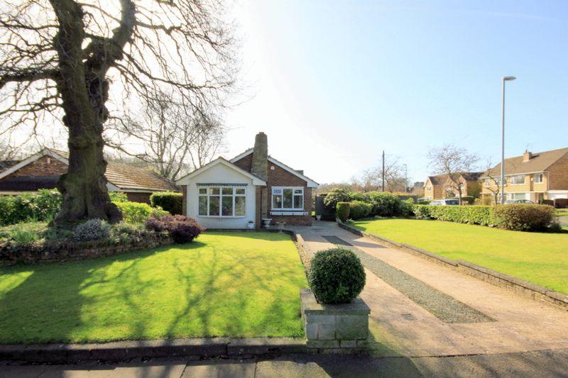 2 Bedrooms Detached Bungalow for sale in Bainbridge Road, Trentham