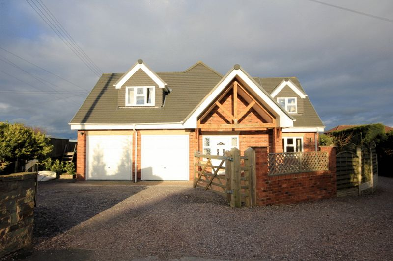 5 Bedrooms Detached House for sale in Grayswood Croft, Tittensor