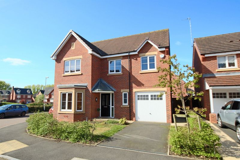 4 Bedrooms Detached House for sale in 1 Candler Drive, Stone