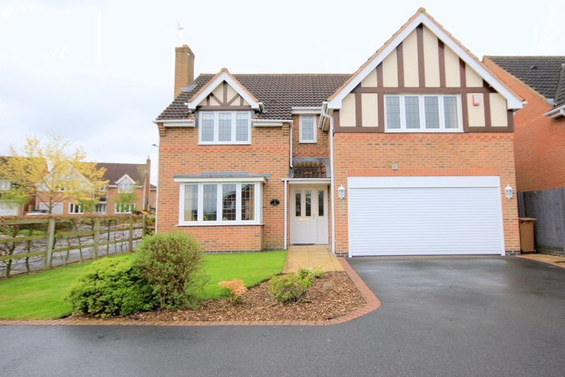 4 Bedrooms Detached House for sale in Wedgwood Avenue, Stone