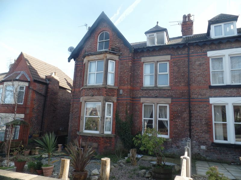 5 Bedrooms House for sale in 20 Holland Road, Wallasey