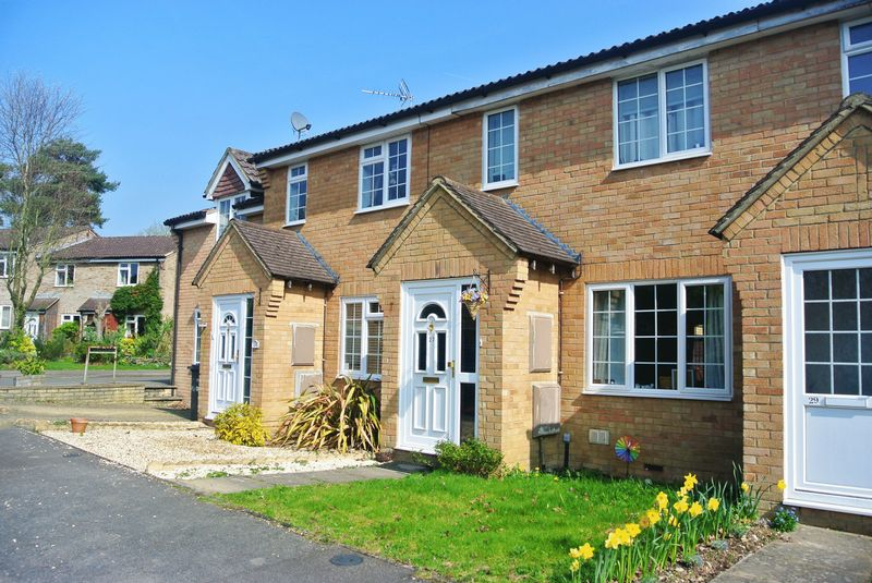 3 Bedrooms Terraced House for sale in Mulberry Way, Chineham
