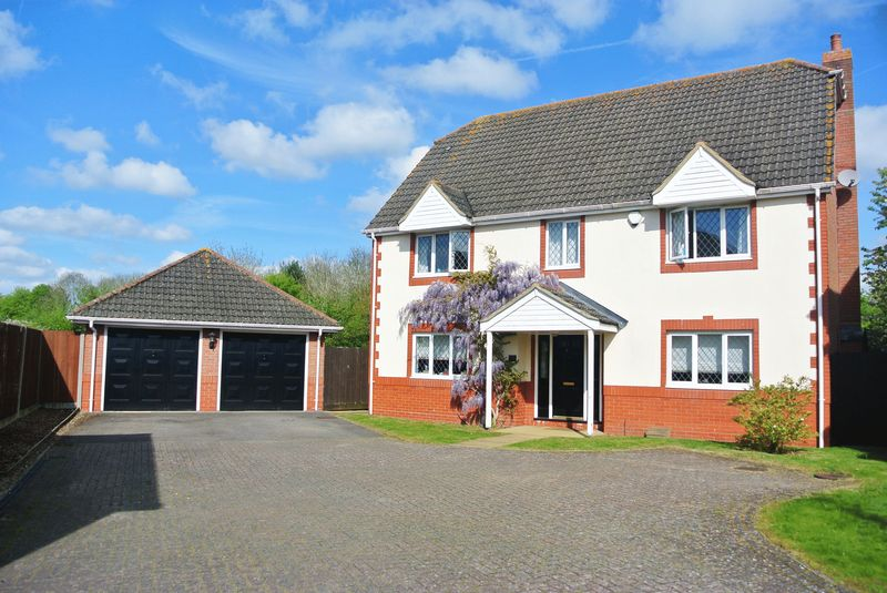 5 Bedrooms Detached House for sale in Taylor Drive, Bramley