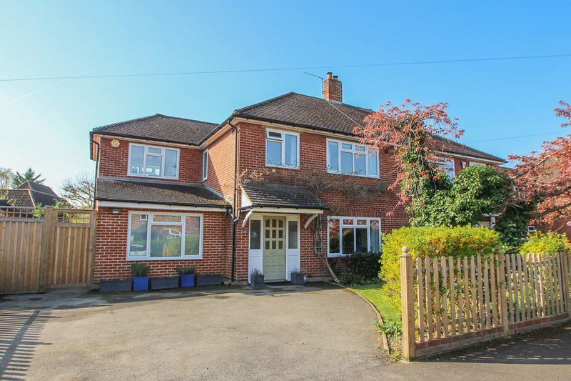5 Bedrooms Semi Detached House for sale in Elsworthy, Thames Ditton