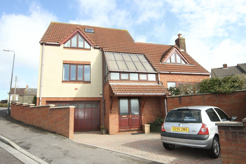 4 Bedrooms Detached House for sale in Footshill Road, Bristol