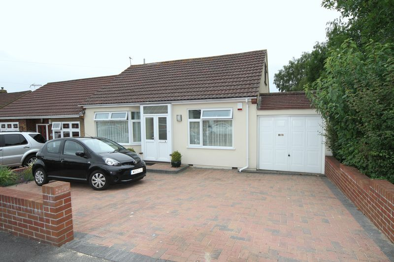 2 Bedrooms Property for sale in Vicarage Road Hanham, Bristol